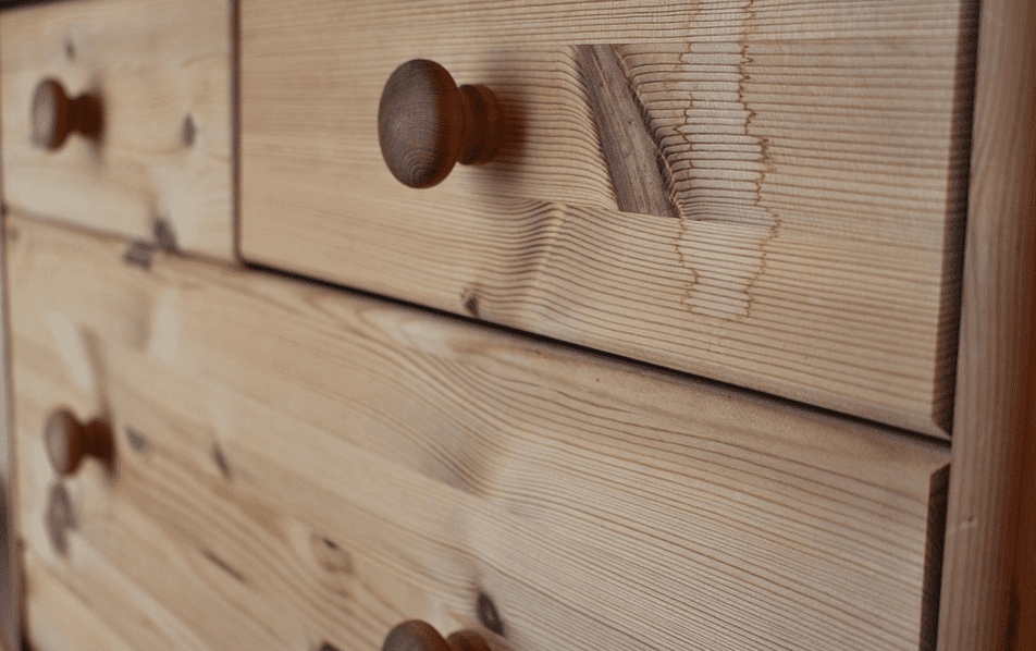 Chest of wooden drawers