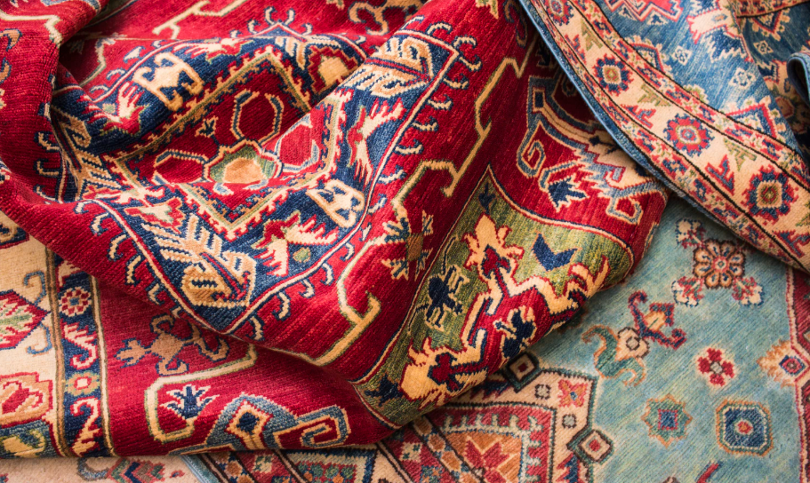 """Feature image for """"7 Rugs That Will Make Your Mobile Home Cozier This Fall"""""""