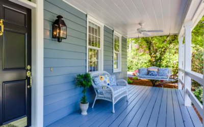 """5 Ways To Make An Older Mobile Home Look Less """"Boxy"""""""