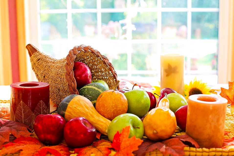 Make Your Own Mobile Home Cornucopia To Celebrate Thanksgiving