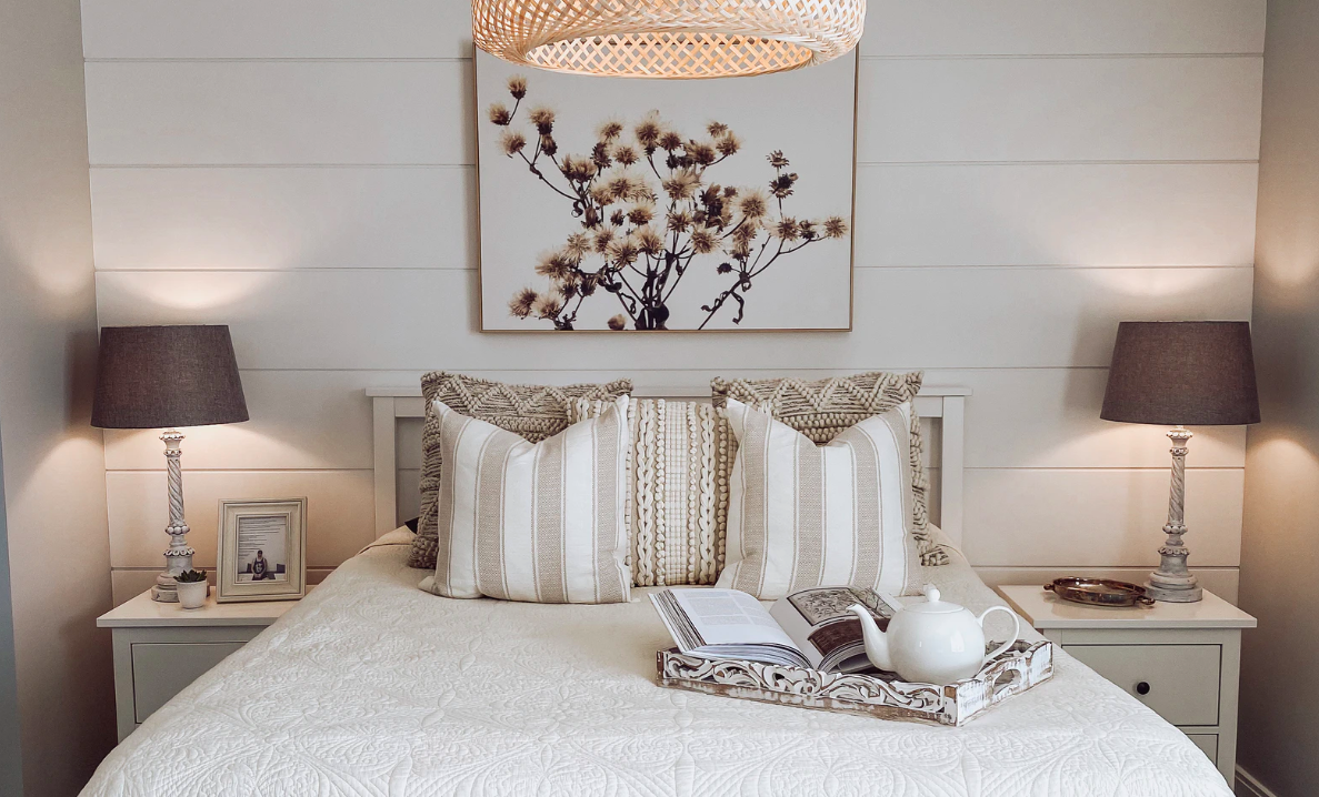 Bedroom with focal point picture