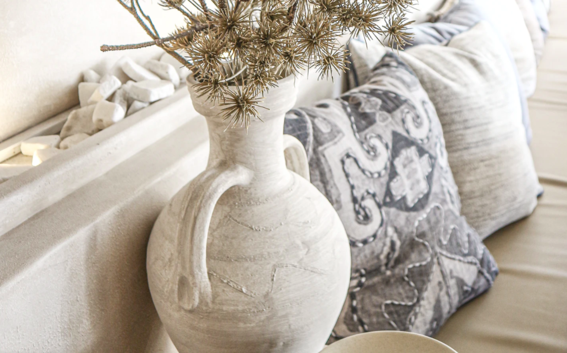 Textures and ornate centerpiece