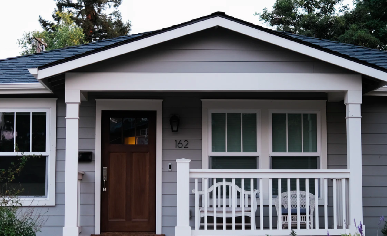 """Featured image for """"# Tips To Choose The Perfect Mobile Home Exterior Paint Color"""""""