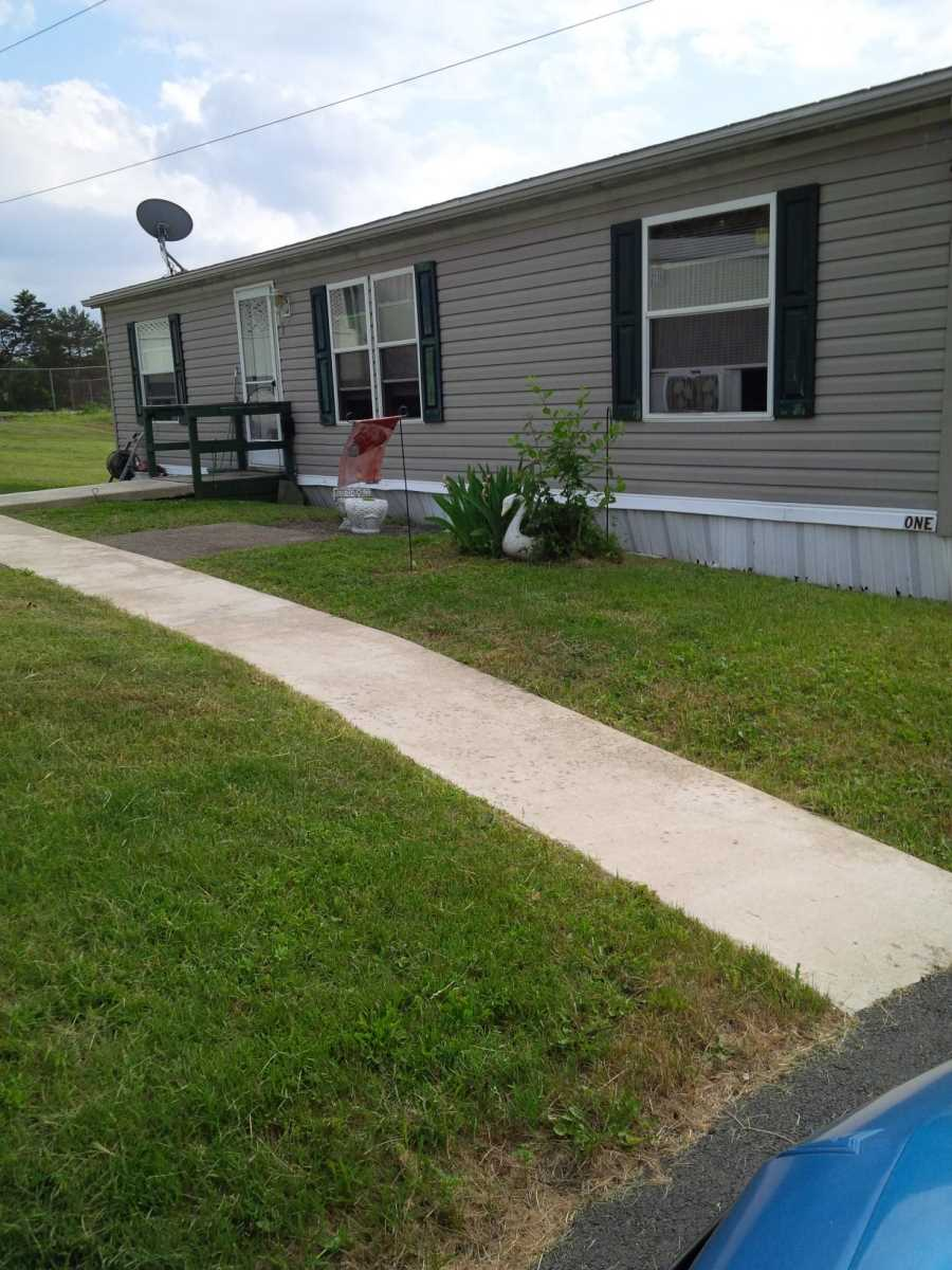 1 Heather Highlands, Pittston, Pennsylvania 18640, ,Mobile Home (In Park),For Sale,Heather Highlands,1033